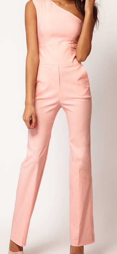 "<a href=""http://us.asos.com/ASOS/ASOS-Jumpsuit-With-Extreme-Shoulder/Prod/pgeproduct.aspx?iid=2134728&MID=35719&affid=2135&WT"