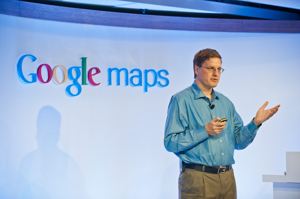 "<a href=""http://www.theverge.com/2012/9/25/3407614/apple-over-a-year-left-on-google-maps-contract-google-maps-ios-app"">Chris"