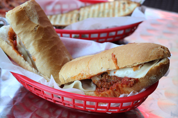 """<a href=""""http://www.tastingtable.com/entry_detail/chicago/10336/ A_new_reason_to_visit_this_classic_bakery_sandwiches.htm?ref"""
