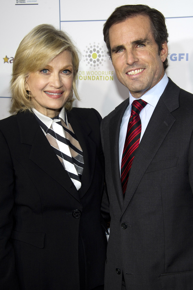 Diane Sawyer, left, and Bob Woodruff attend the New York Comedy Festival's Stand Up For Heroes benefit in New York, Wednesday