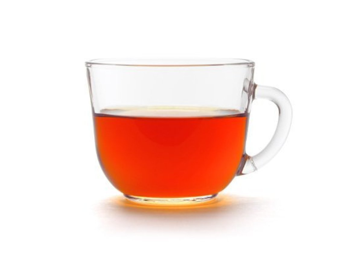 "This <a href=""http://liquor.com/articles/rum-101?utm_source=huffpo&utm_medium=articl&utm_campaign=tea"">rum</a> and red tea si"