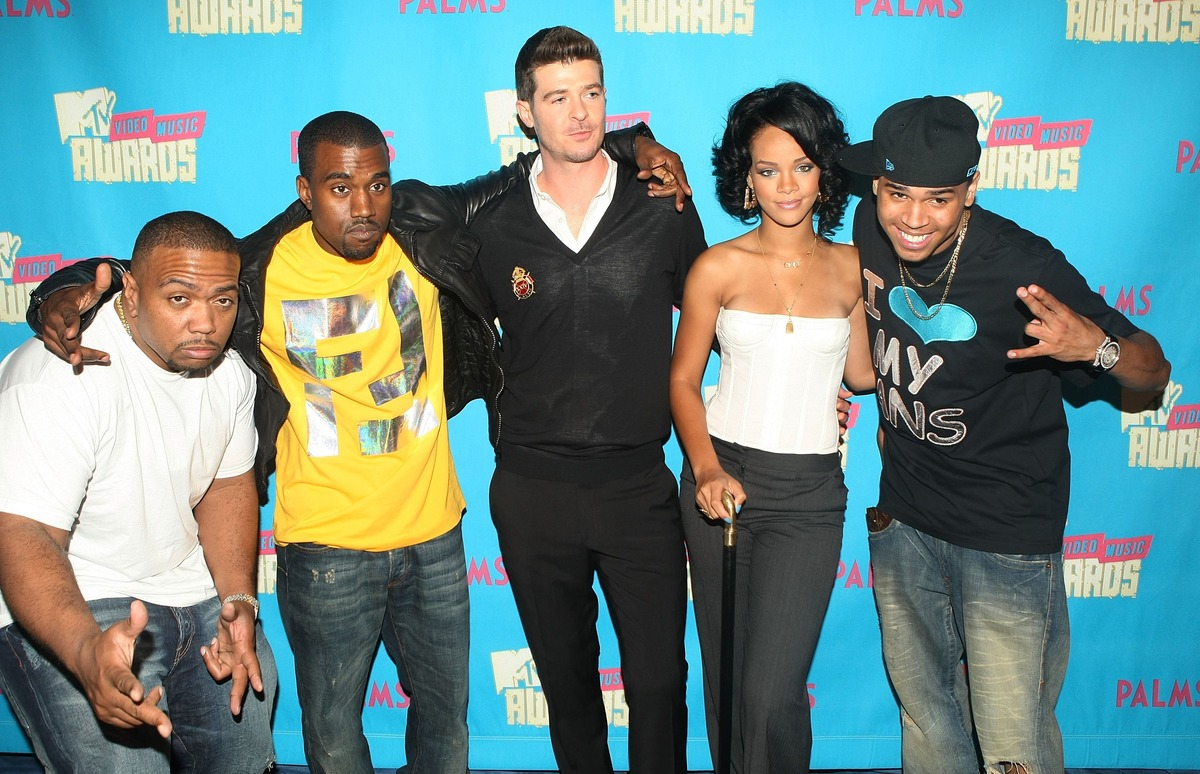 NEW YORK - AUGUST 7:  (U.S. TABS OUT)  (L-R) Rappers Timbaland, Kanye West, Singers Robin Thicke, Rihanna, and Chris Brown po