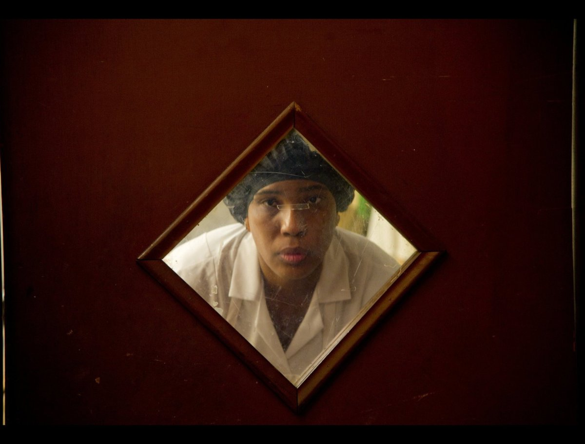 Macy Gray stars as Anita, a maid and the narrator, in the new film <em>The Paperboy</em>