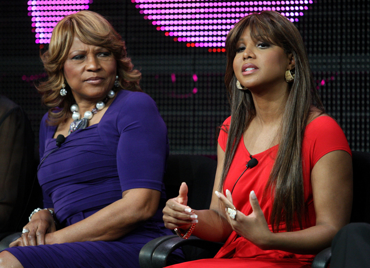 PASADENA, CA - JANUARY 07:  Evelyn Braxton (L) and Toni Braxton speak during the 'Braxton Family Values' panel at the WE tv p
