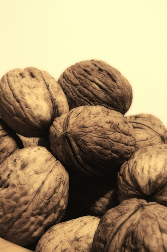 <strong>Cambia:</strong> Galletas <strong>Por:</strong> Nueces  Cuando comparas 120 calorías en un paquete de seis galletas d