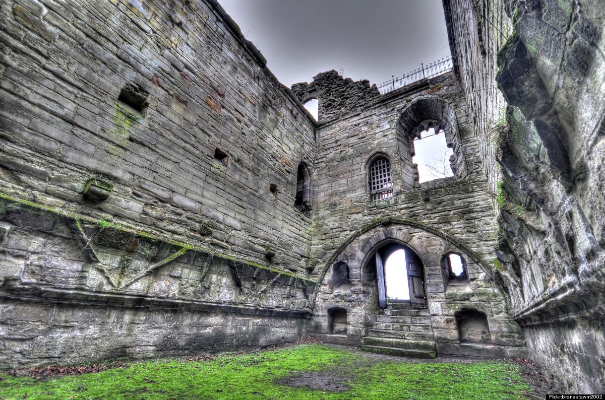 "An evocative ruin in rural Staffordshire, <a href=""http://www.historvius.com/tutbury-castle-1574/"" target=""_hplink"">Tutbury C"