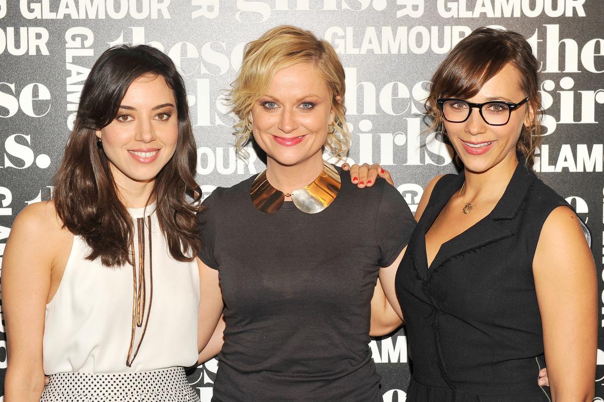 NEW YORK, NY - OCTOBER 08:  (L-R) Actresses Aubrey Plaza, Amy Poehler, and Rashida Jones of 'Parks and Recreation' attend Gla