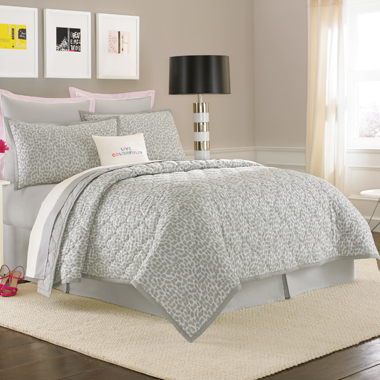 "This Kate Spade bedding shows off both Vinny's sweet and feisty sides.   (<a href=""http://www.bedbathandbeyond.com/product.as"