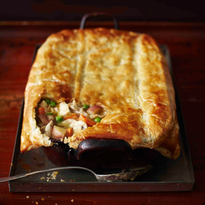 "<strong>Get the <a href=""http://www.huffingtonpost.com/2011/10/27/chicken-pot-pie-in-a-blan_n_1061344.html"">Chicken Pot Pie i"
