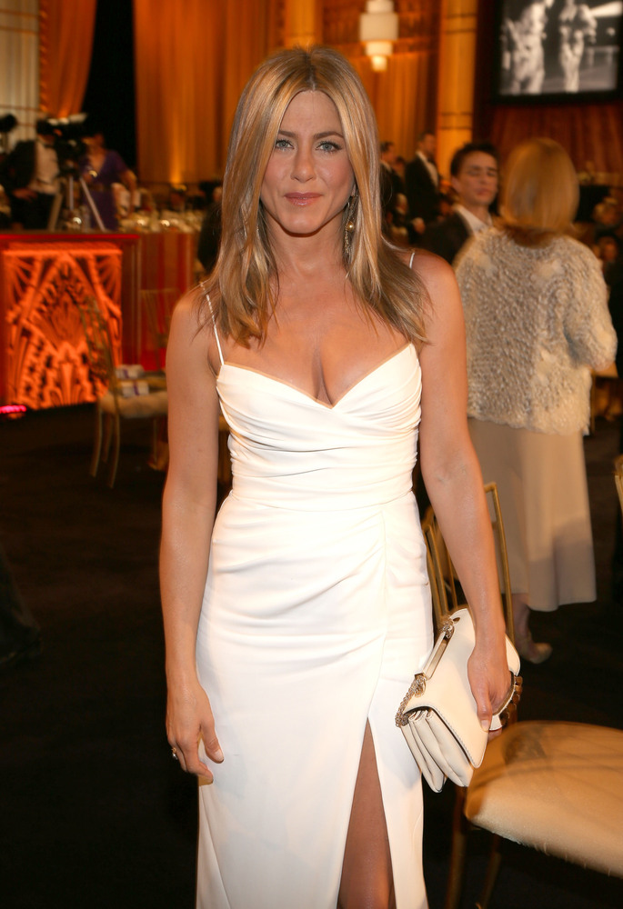 "The <a href=""http://www.huffingtonpost.com/2012/08/12/jennifer-aniston-engaged-justin-theroux_n_1771083.html"">recently engage"
