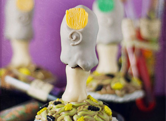 """<strong>Get the <a href=""""http://www.bakingdom.com/2011/10/dead-mans-toe-cupcakes-halloween.html"""">Dead Man's Toe Cupcakes reci"""