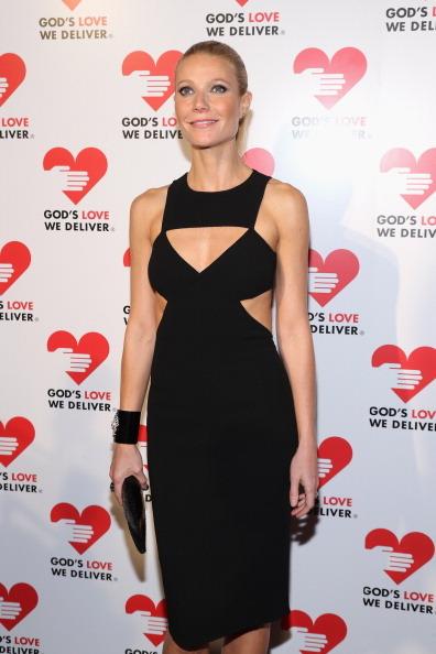 "The always <a href=""http://www.huffingtonpost.com/2012/02/26/gwyneth-paltrow-oscars-2012-dress_n_1302888.html"">chicly-dressed"