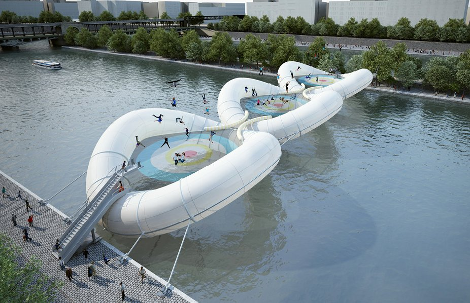 The three 30-meter-round inflatable modules are held together with a cord to form a self-supporting structure. Under the righ