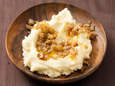 "<strong>Get the <a href=""http://www.huffingtonpost.com/2011/10/27/caramelized-scallion-mash_n_1059369.html"">Caramelized Scall"