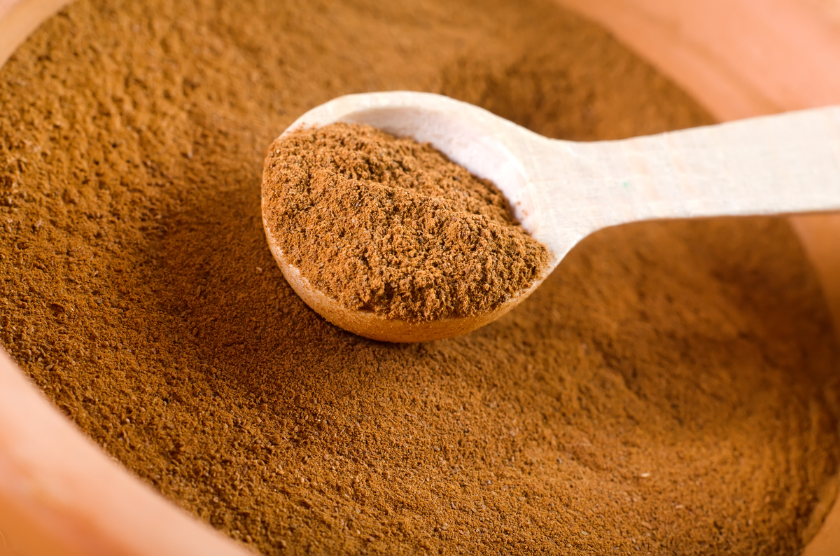 Many people raved about cinnamon's effectiveness. Sprinkle ground cinnamon around the outside border of your home and then th
