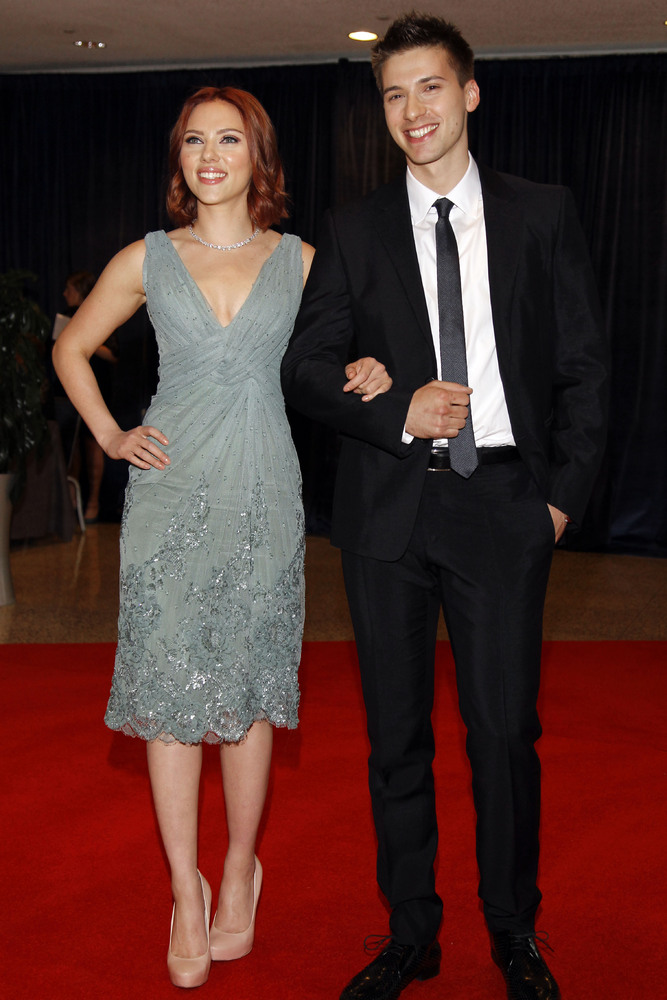 Scarlett Johansson and her brother Hunter Johansson arrive for the White House Correspondents Dinner Saturday, April 30, 2011