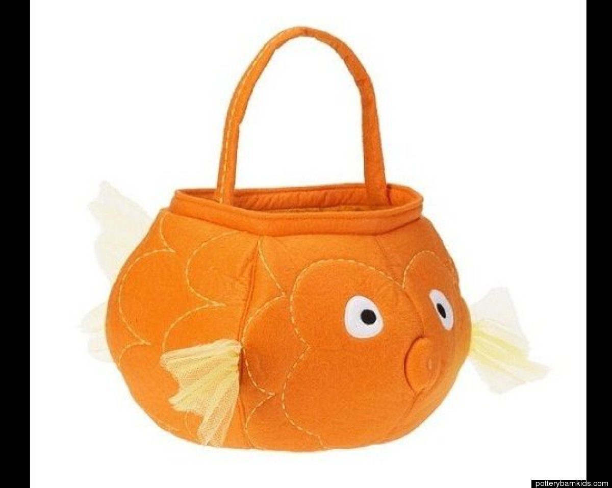 These adorable and soft buckets are perfect for little hands.The plush treat bags come in variety of colors and design. From