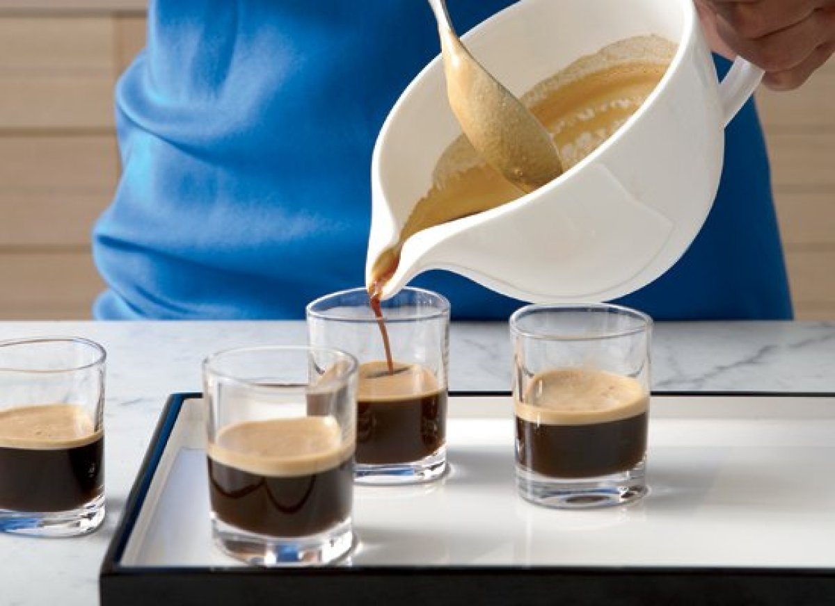 """<strong>Get the <a href=""""http://www.huffingtonpost.com/2011/10/27/caf-cubano_n_1058267.html"""" target=""""_hplink"""">Cafe Cubano</a>"""