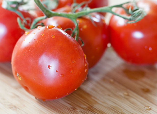 Thanks to a high acid content, tomatoes aren't great for those prone to acid reflux -- though they're still a healthful food,