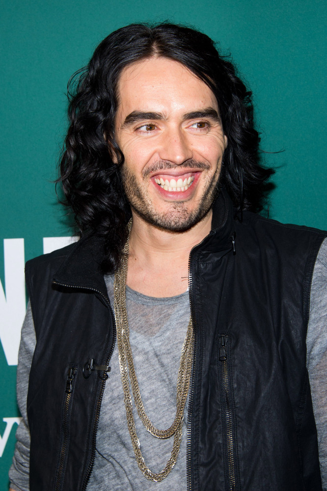 """Russell Brand <a href=""""http://www.tmz.com/2011/12/30/katy-perry-divorce-russell-brand/"""">filed for divorce</a> from Katy Perry"""