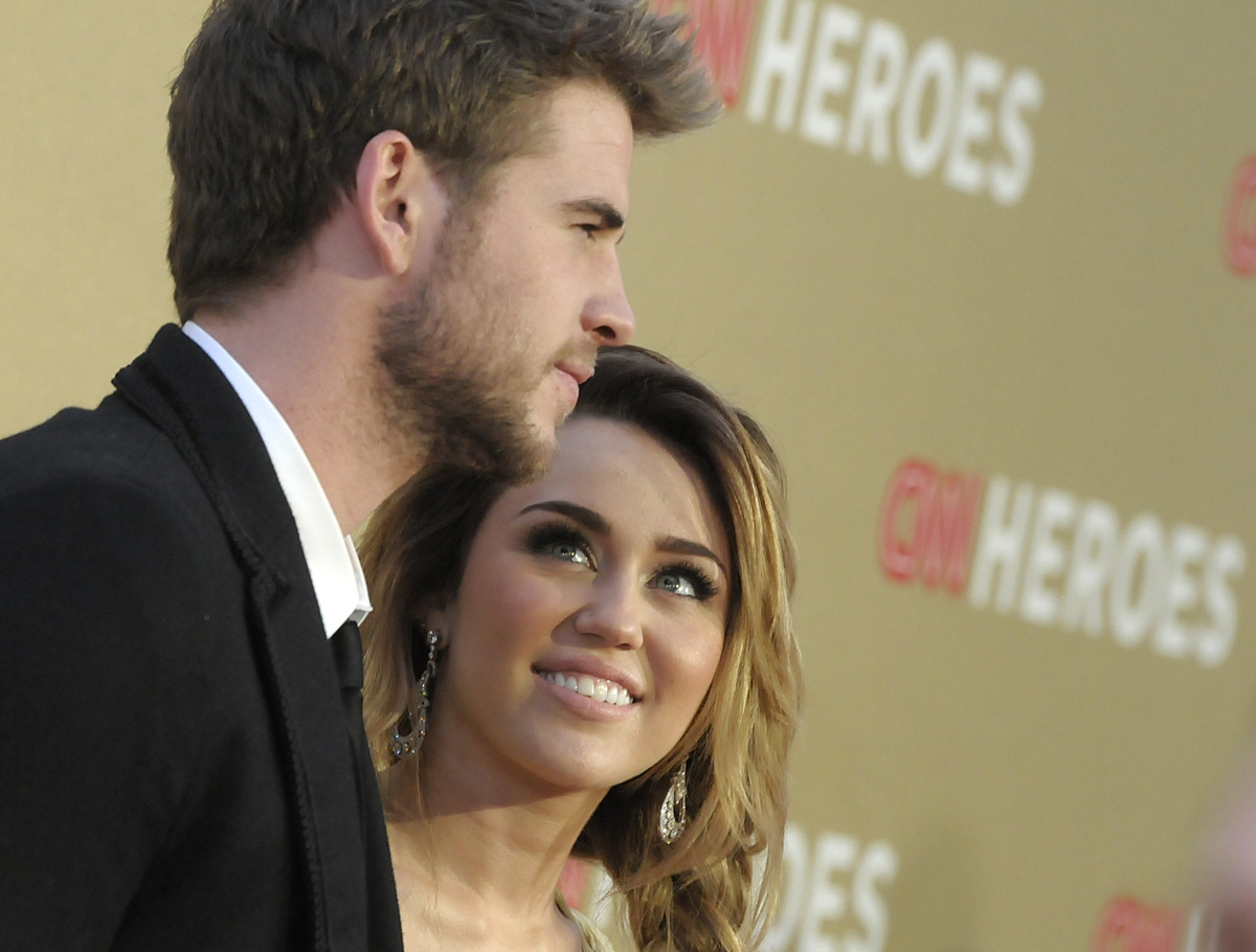 The engaged pair really are iconic! Miley and Liam swept the competition and took home the Iconic Couple title for the third