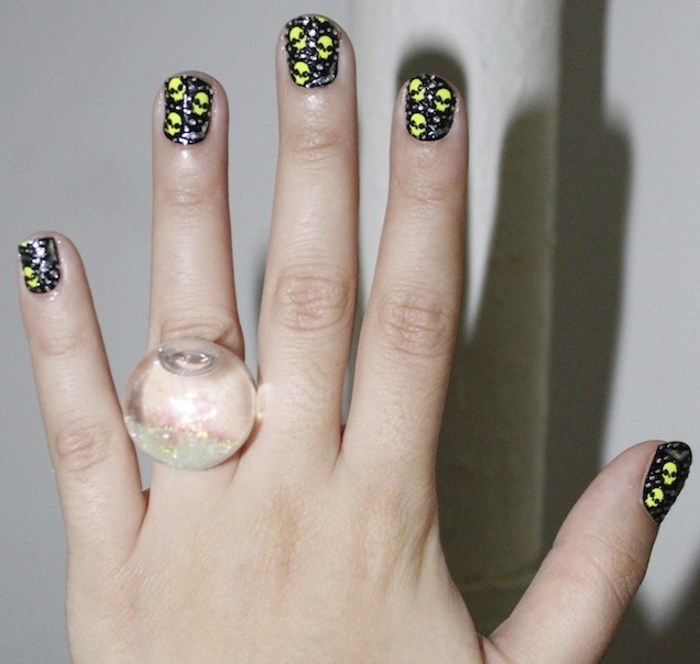 DIY Nail Ideas: Glow-In-The-Dark Skulls Nail Art And More Of Our ...