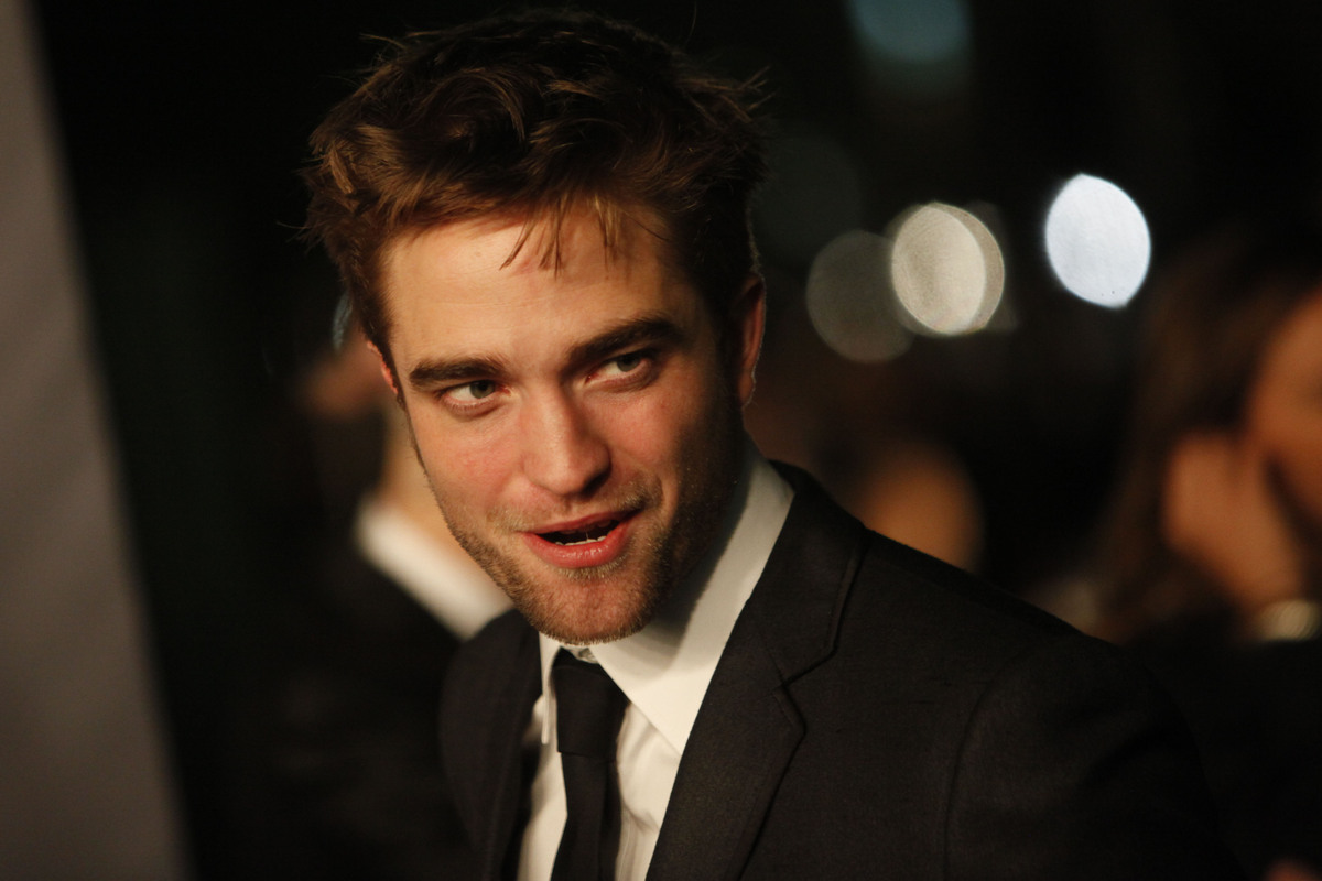 Robert Pattinson arrives at the LACMA ART + FILM GALA at the Los Angeles County Museum of Art on October 27, 2012 in Los Ange
