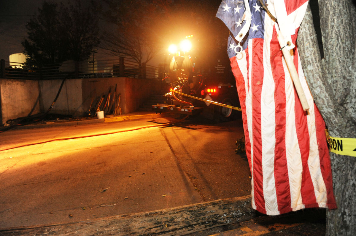 A cleanup truck continued work Wednesday night after more than 330,000 gallons of diesel fuel spilled into the Arthur Kill ti