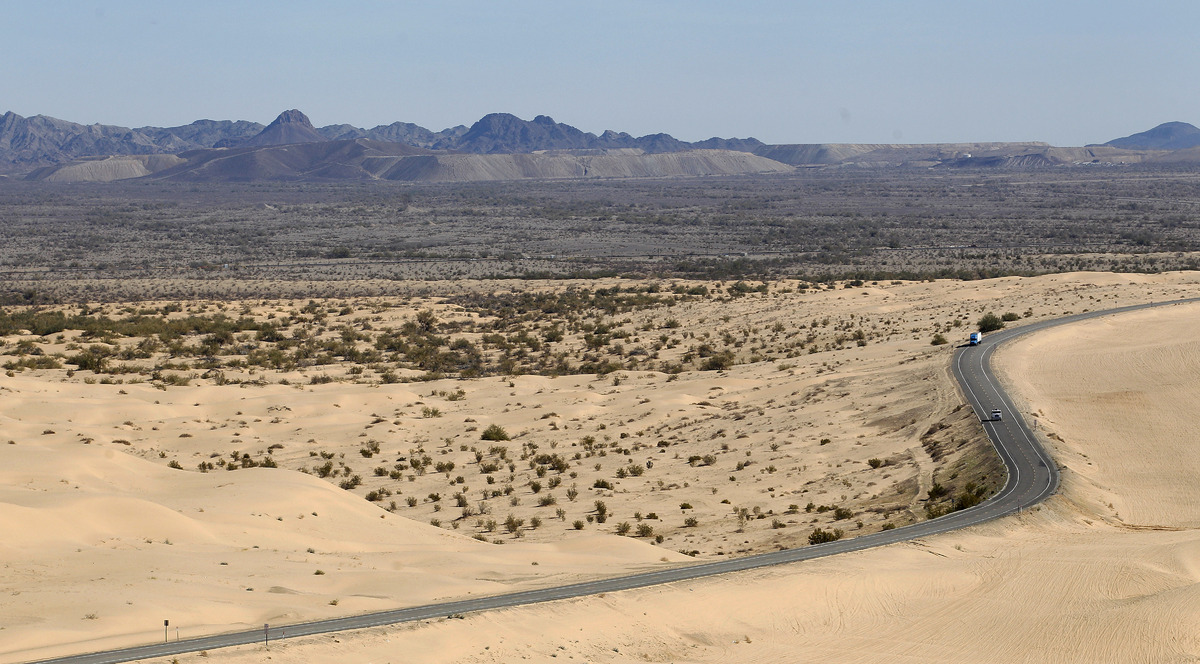 """<a href=""""http://money.usnews.com/money/retirement/articles/2011/11/21/the-10-sunniest-places-to-retire"""">Although Yuma is the"""