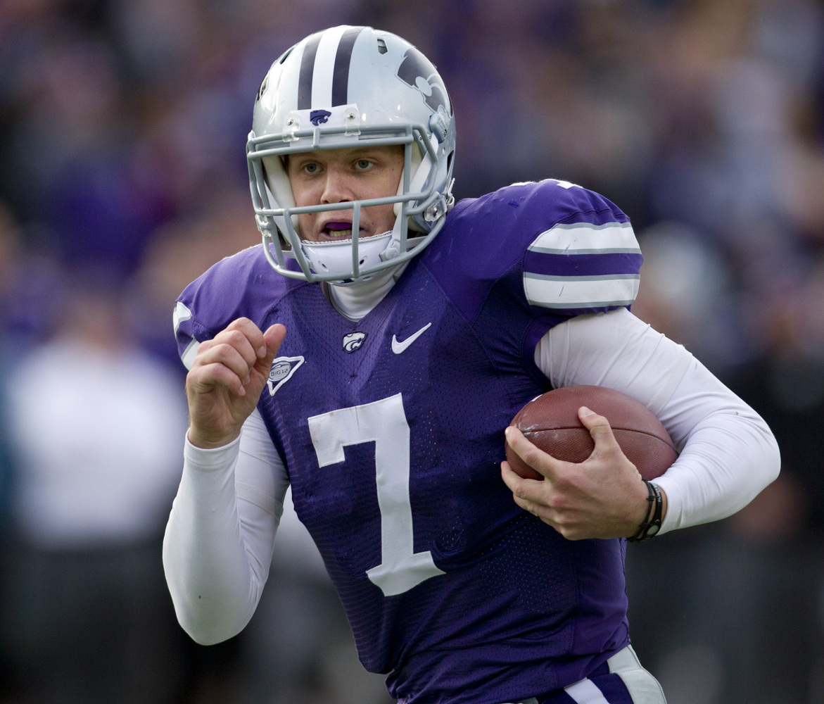 Kansas State quarterback Collin Klein (7) runs for a touchdown during the second half of an NCAA college football game agains