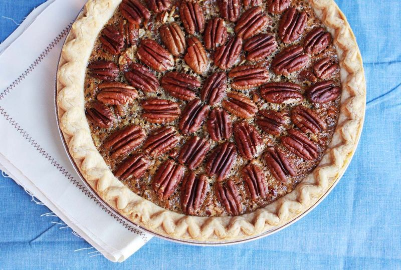 "<strong>Get the <a href=""http://www.abeautifulmess.com/2012/09/brownie-pecan-pie.html"" target=""_blank"">Brownie Pecan Pie reci"