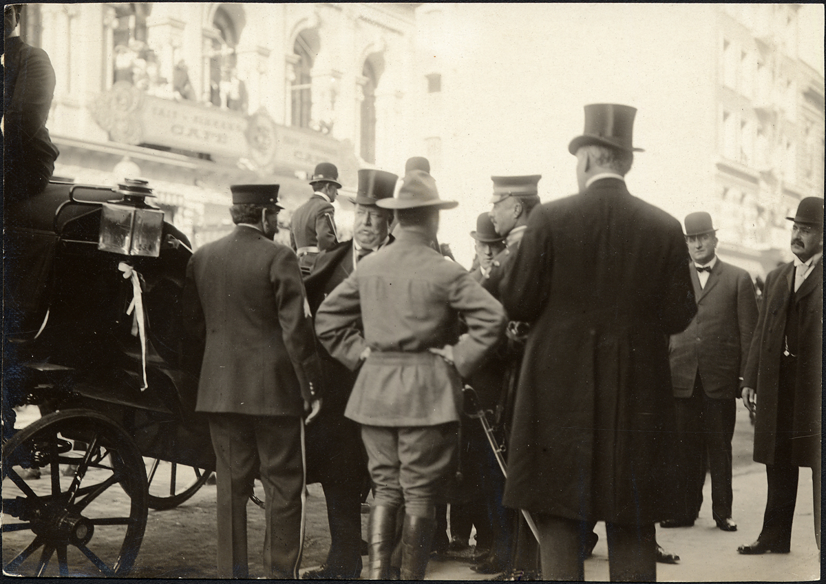 President Taft arriving for a luncheon reception at the Union League Club. October 1909.