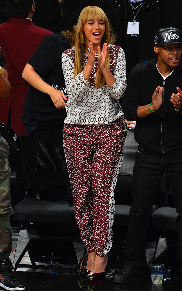 NEW YORK, NY - NOVEMBER 03: Beyonce Knowles attends Toronto Raptors vs Brooklyn Nets game at Barclays Center on November 3, 2