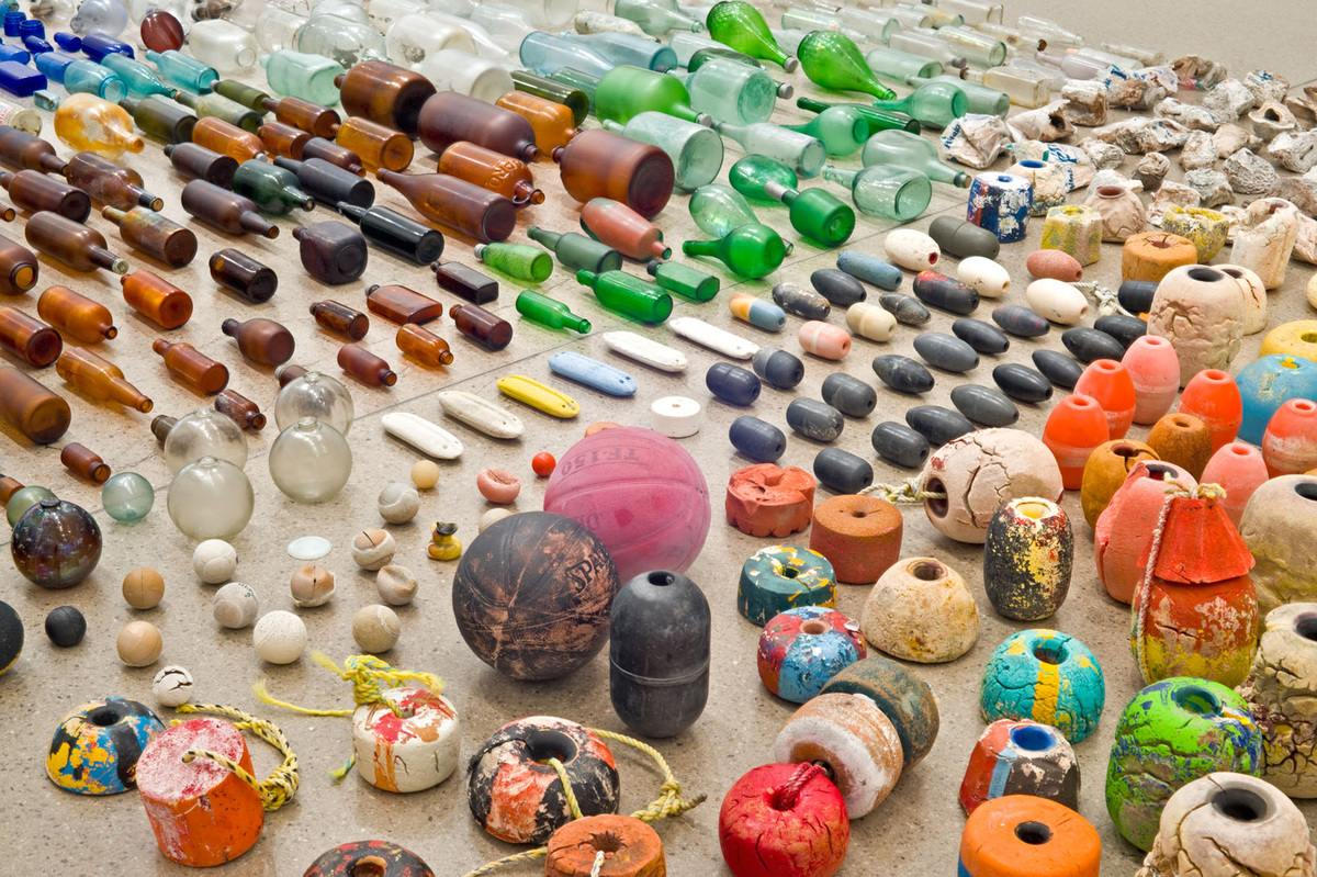 Gabriel Orozco  Sandstars, 2012  Approximately 1,200 found objects, including wood, metal, glass, paper, plastic, Styrofoam,