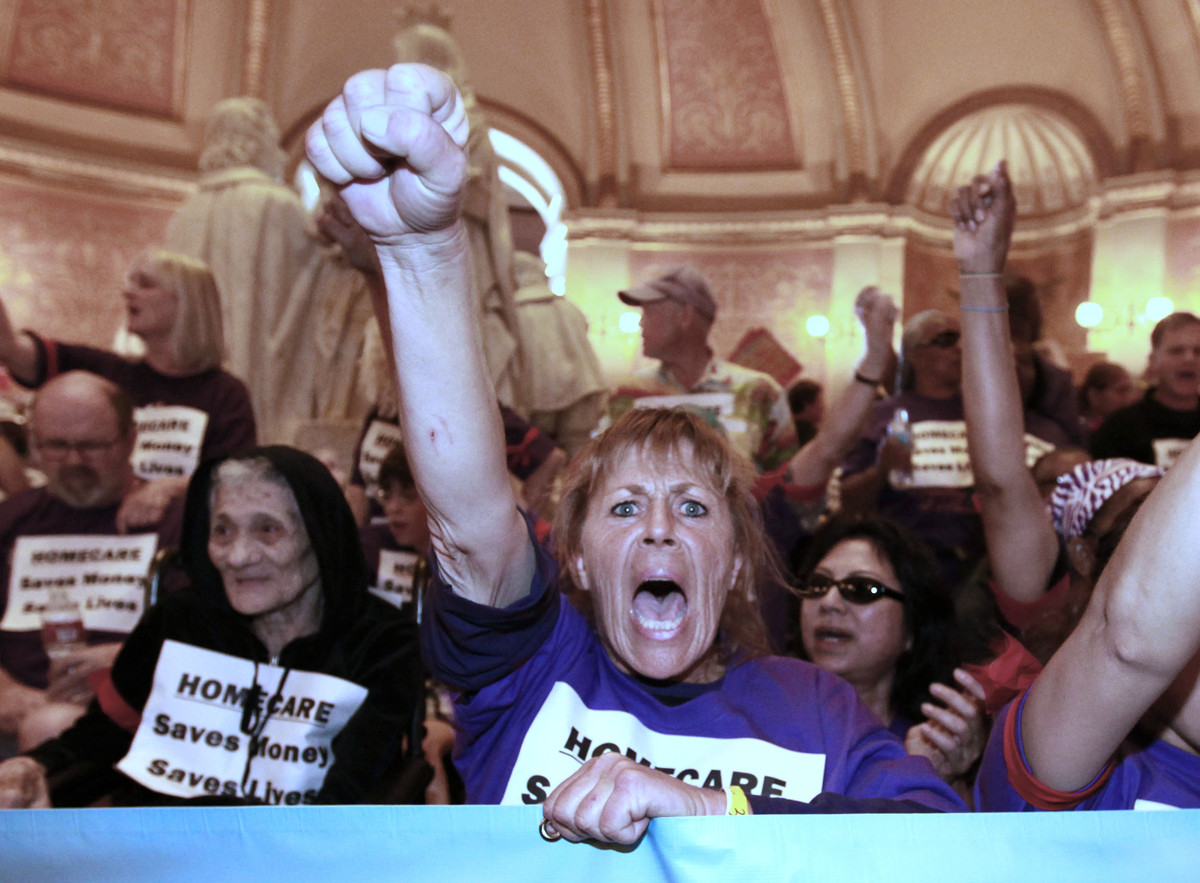 The state's unions went all in for their successful effort to stop Prop. 32, the anti-union measure pushed by the Lincoln Clu