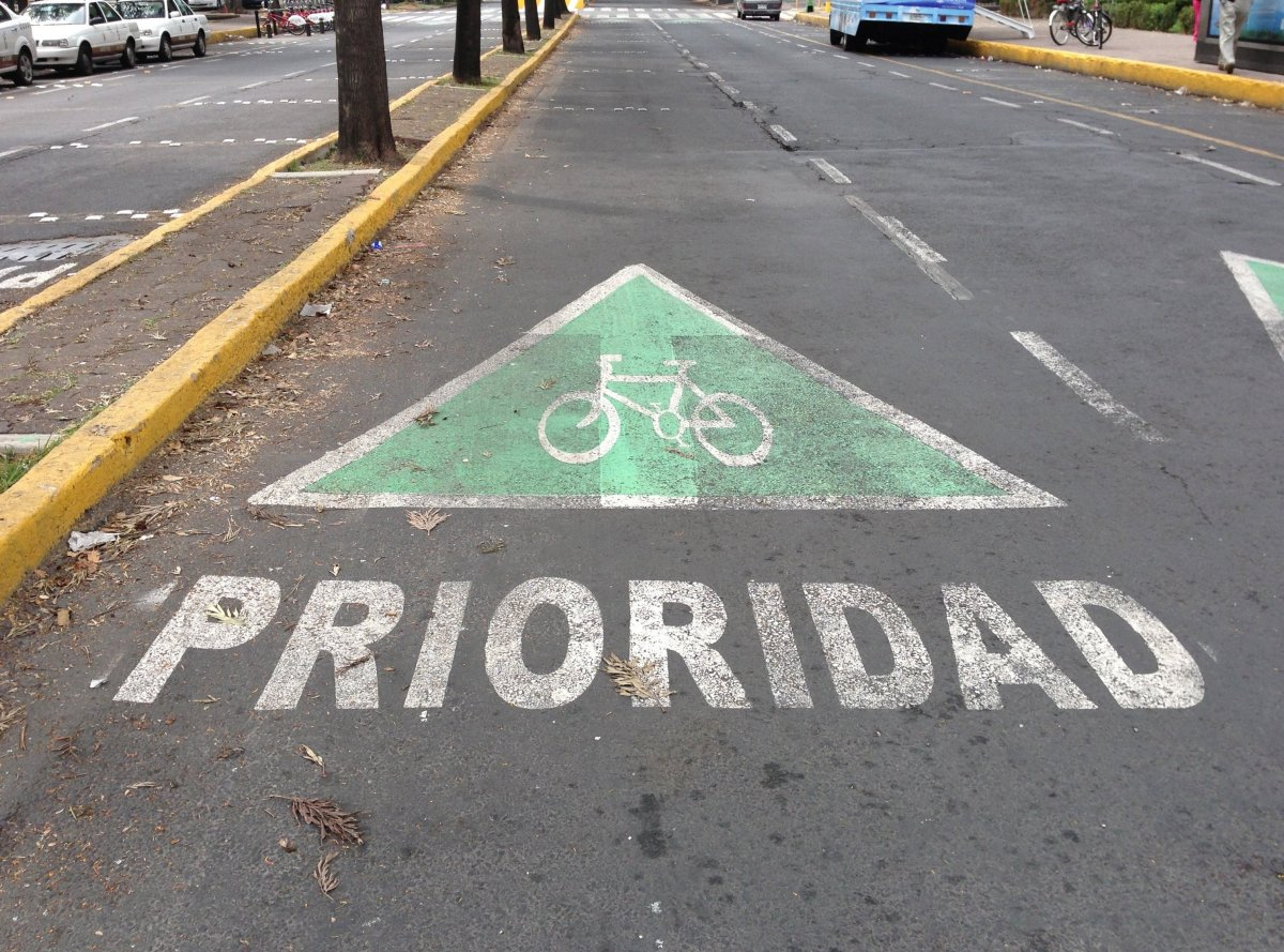 In the last several years, biker-friendly urban planning is taking hold in Latin America.  In the Mexico City neighborhood of