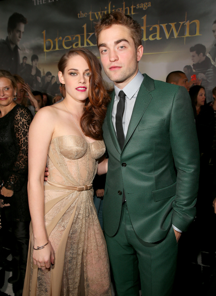 Kristen Stewart and Robert Pattinson arrived at the premiere of 'The Twilight Saga: Breaking Dawn - Part 2' at Nokia Theatre