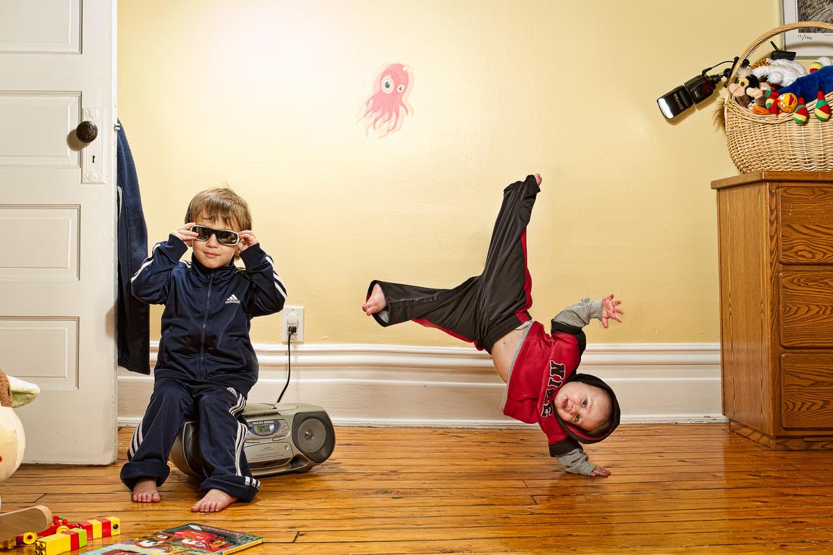 "(Van Leeuwen's sons, Quinn and Alex)  <a href=""http://jvlphoto.com/pixelpost/"">Justin Van Leeuwen</a>"