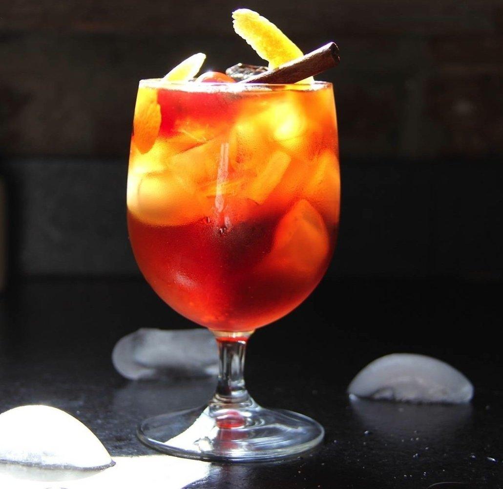 "<strong><a href=""http://imbibemagazine.com/Maple-Cranberry-Bourbon-Smashed-Recipe"" target=""_hplink"">Maple Cranberry Bourbon S"