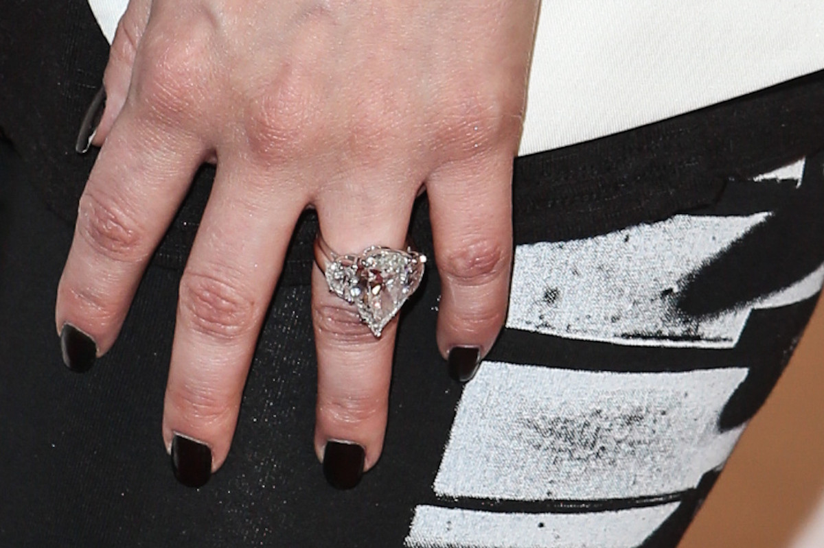 Kim Kardashian\'s Ring From Kanye Is Smaller Than Her Last One... But ...
