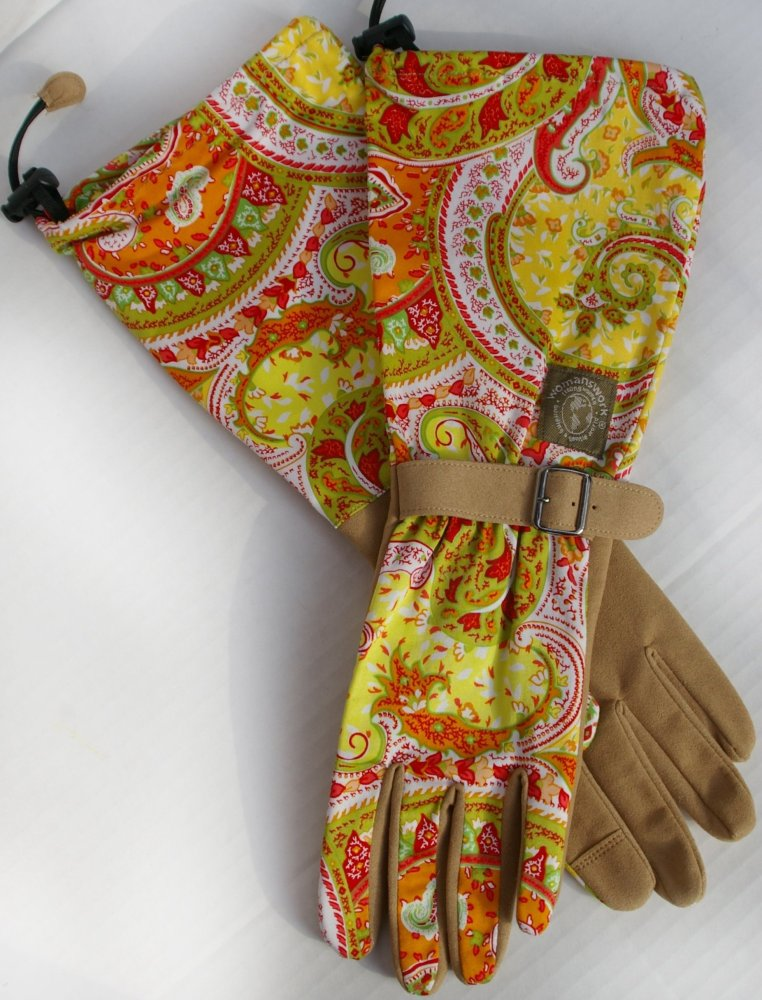 "Every dirt diva needs these fashionista '<strong>Orange Paisley Gloves</strong>' from <a href=""http://www.Womanswork.com."" ta"