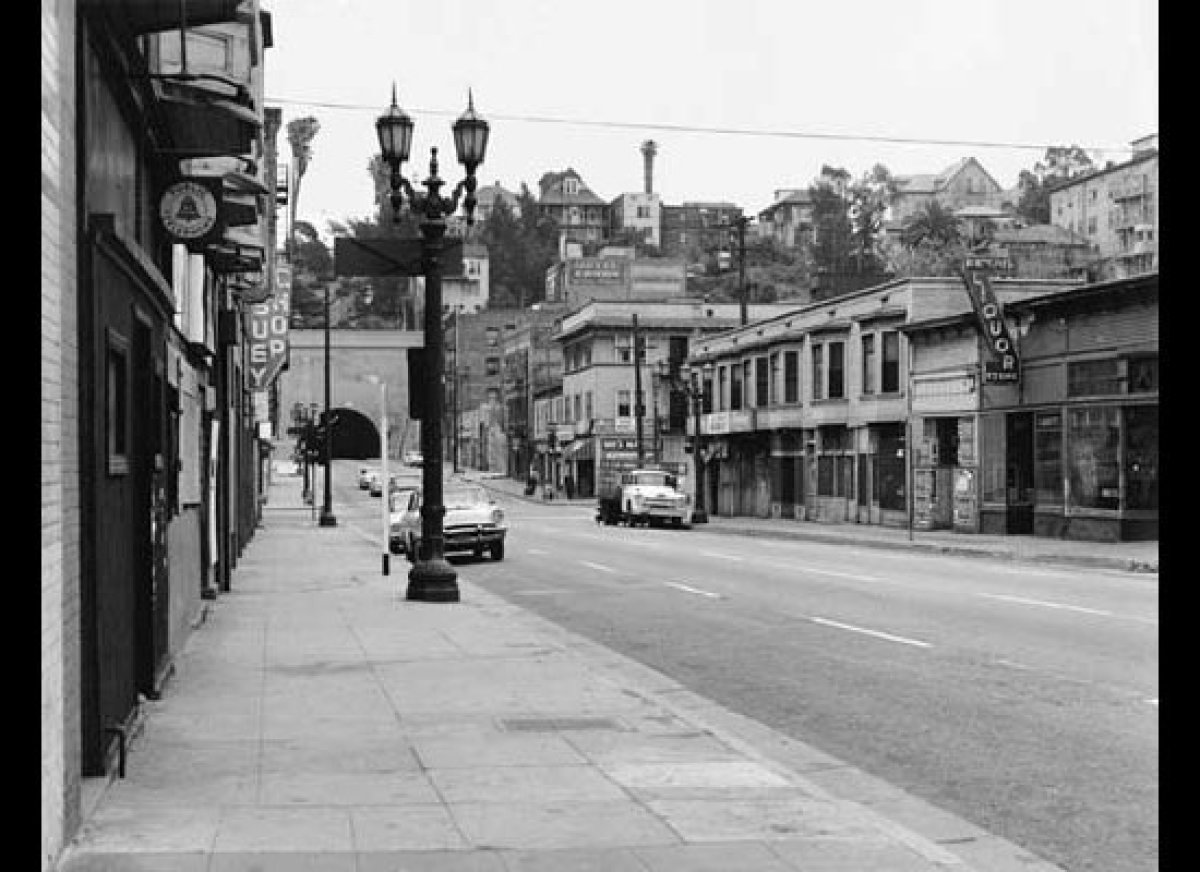 Looking east towards Flower and the 3rd Street tunnel which rests beneath the residences of Bunker Hill. (William Reagh Colle