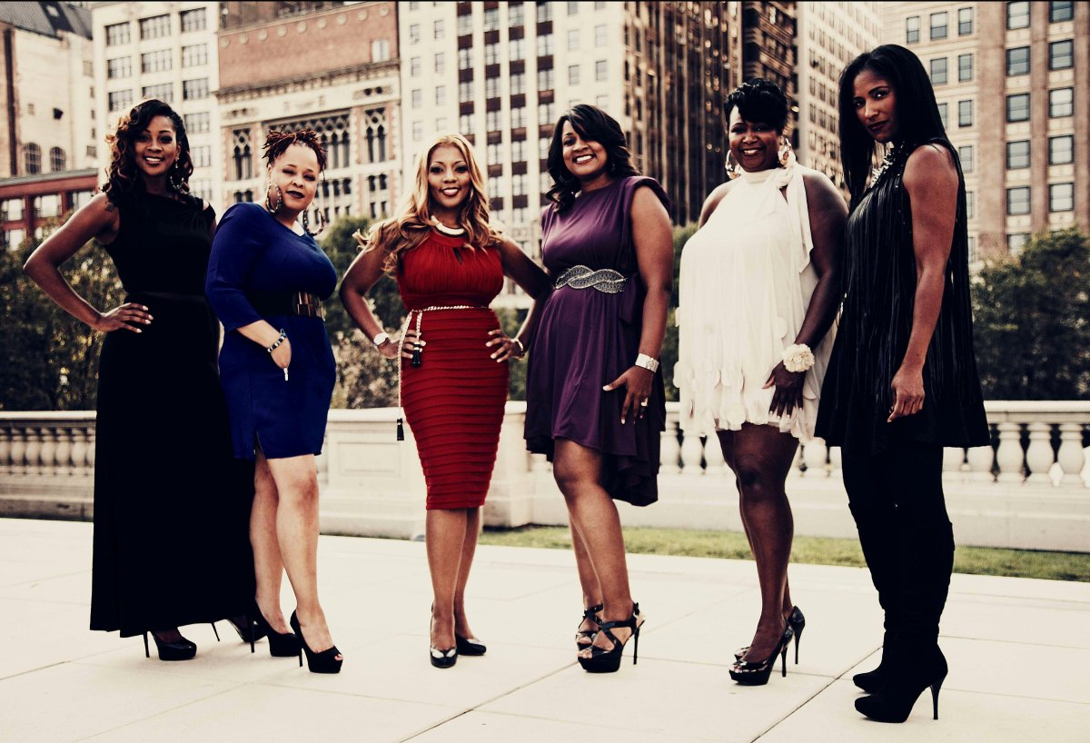 """The<a href=""""http://www.sixbrownchicks.com"""" target=""""_hplink""""> Six Brown Chicks</a>, left to right: A Comeaux, Yanni, Zondra, D"""