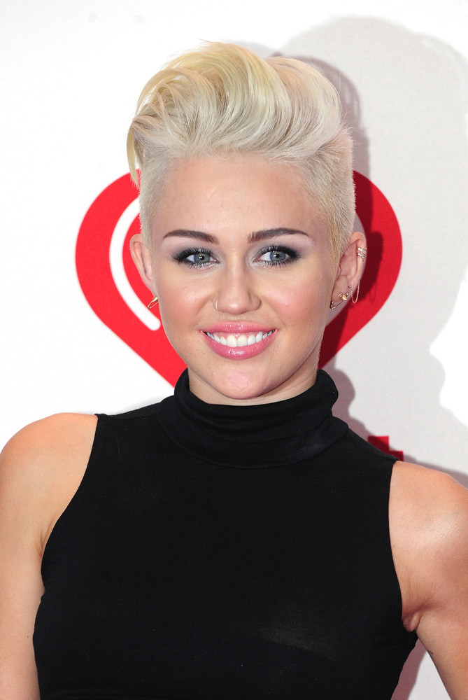 """""""Why did Miley Cyrus <a href=""""http://www.huffingtonpost.com/2012/11/20/miley-cyrus-cuts-her-hair-pixie-cut-blonde_n_2164400.h"""