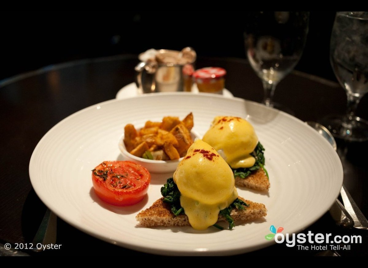 <strong>Stars: 2</strong>  The first restaurant the celebrity chef opened stateside, Gordon Ramsay at The London is an eleg