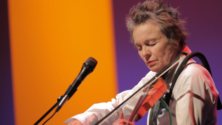 <strong>Laurie Anderson </strong>goes back and forth in her performances between elaborate production and simple (if still el