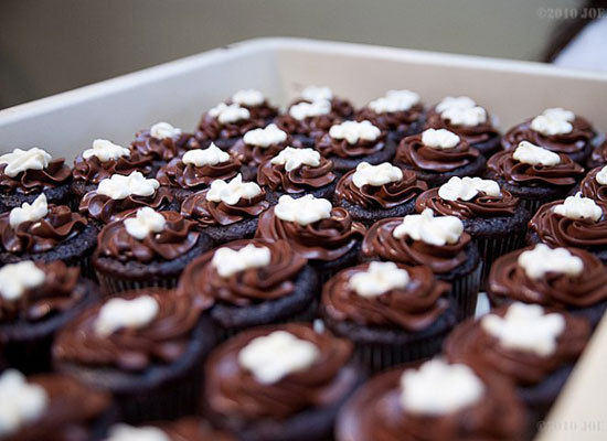 """Jaret's Stuffed Cupcakes baked 15,000 treats for a celebration of """"O Magazine"""". Friends, family and customers all helped prep"""
