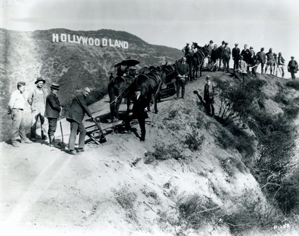 The sign is dedicated in 1923.