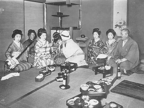 Geisha in the Taisho era (1912–1926).