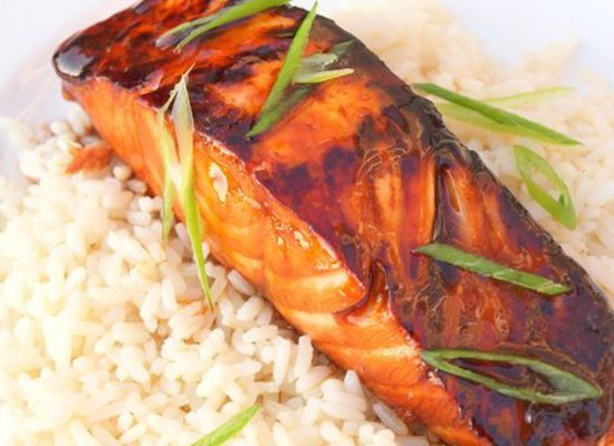 "This Asian-inspired salmon dish is adapted from one of my favorite cookbooks, <a href=""http://astore.amazon.com/onupach-20/de"